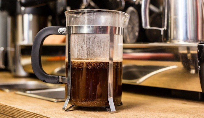 how to use a french press all the dos and don 39 ts you need to know home grounds. Black Bedroom Furniture Sets. Home Design Ideas