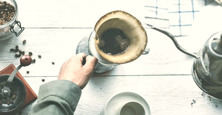 using coffee filter when pouring hot water in making coffee