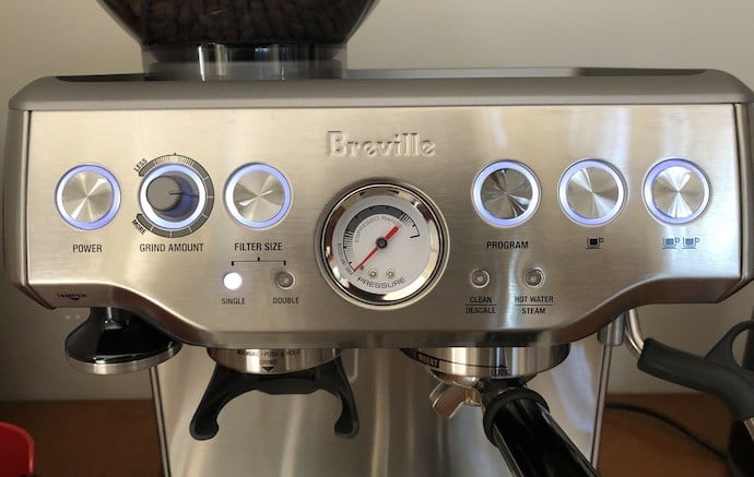 Buttons of the brevillle barista express including ones for grind amount and filter size