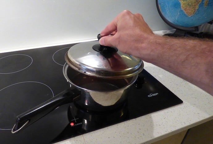 Cover the pan to brew