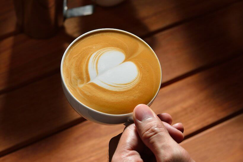 how to make a latte with a machine
