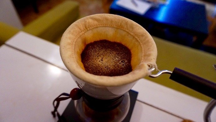 Making pour over coffee for thisHario Woodneck Review
