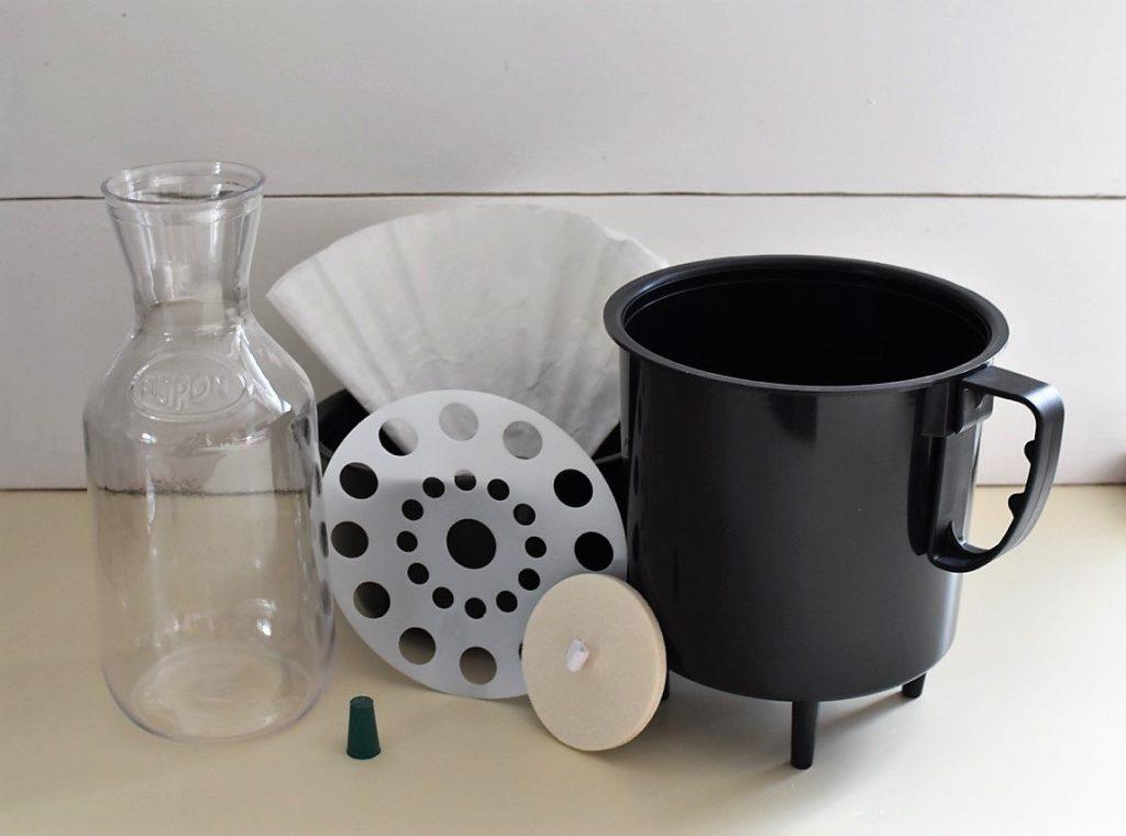 the filtron cold bew maker set