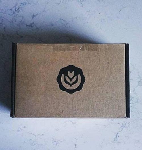 Brown box of crema