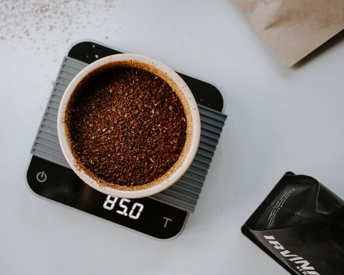 coffee grounds on an acaia pearl scale