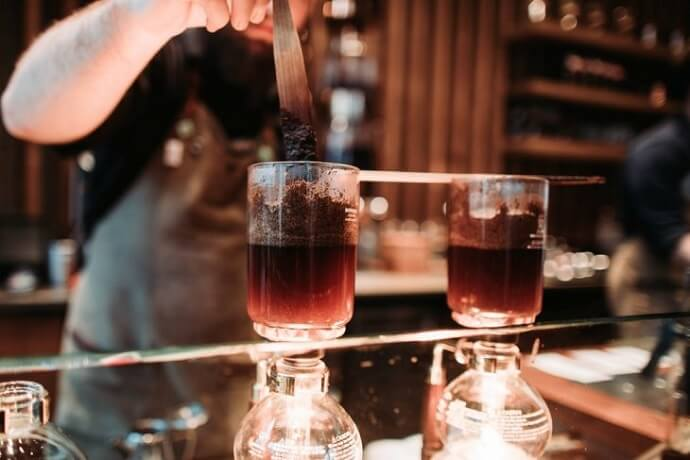 siphon coffee brewers like the bodum pebo santos to make a cup of coffee