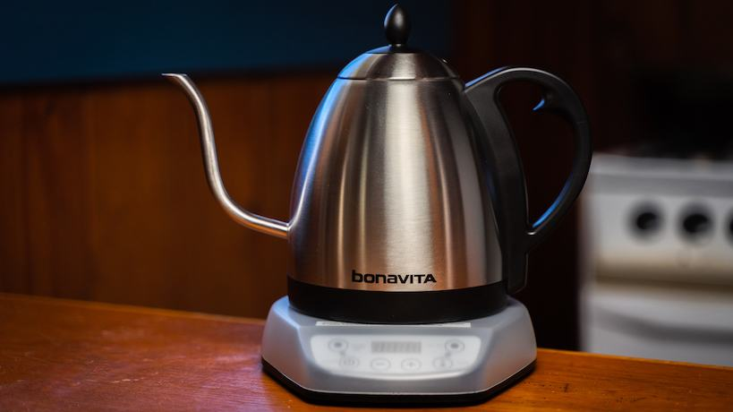 Bonviata kettle on table