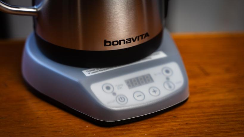 Bonvita kettle on a scale