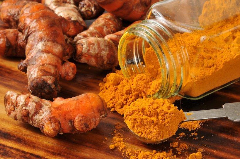 fresh turmeric and turmeric powder