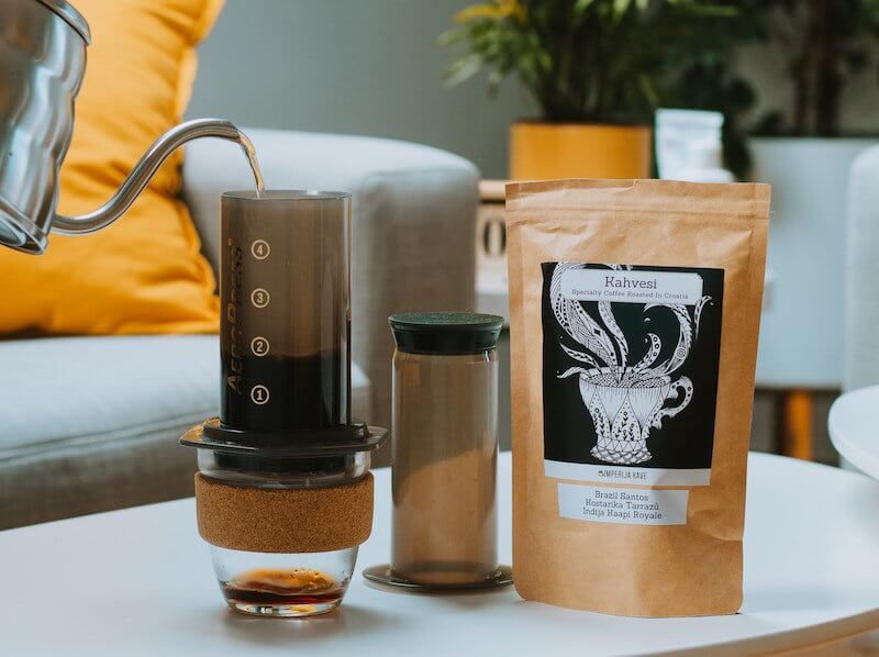 brewing the best coffee beans for aeropress using hot water from kettle